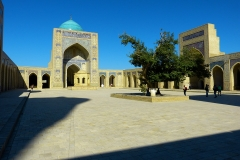 masjid-courtyard